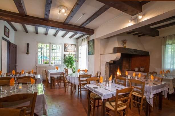 Salle du restaurantL'Auberge des Gorges à Saint-Martin-d'Ardèche