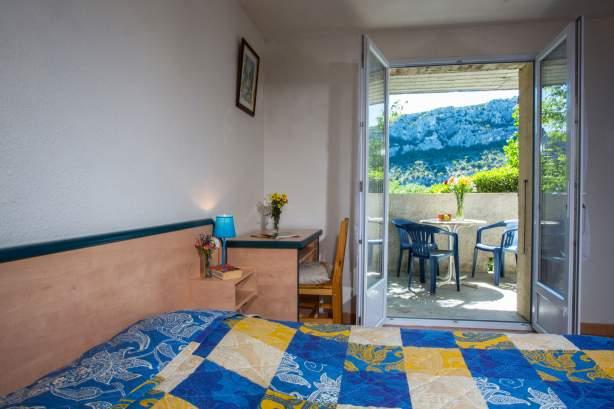 Chambre lit 2 personnesL'Auberge des Gorges à Saint-Martin-d'Ardèche